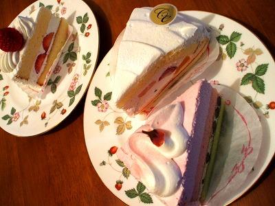 フルーツケーキやさくらと抹茶のケーキ